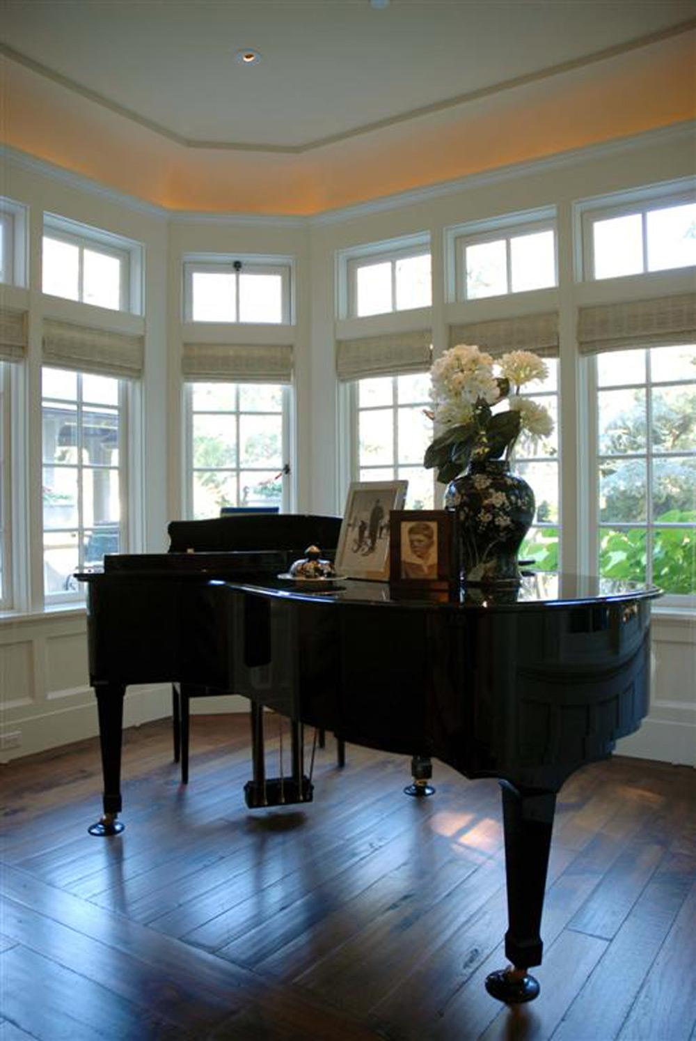 Grand Piano Living Room Design